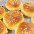 خبز البرجر الهش ويذوب في الفم بالصور