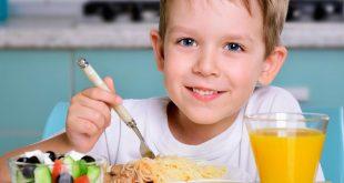 تغذية الاطفال منذ سن الولاده والى بداية فترة المراهقه
