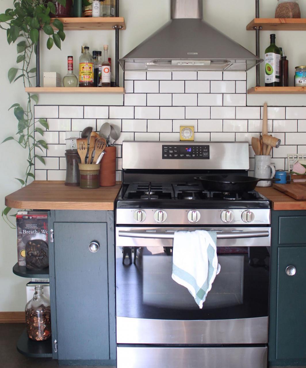 صورة لمحبي قبل وبعد مطبخي القديم صار مودرن بلمسات بسيطة 1379 7