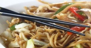 النودلز الصيني سريعه لذيذة و ما فيه اسهل منها بالخطوات المصورة