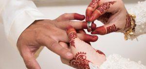 الزواج المختصر او العائلي من فيكم حضرت مثل هاالزواجات تفيدني